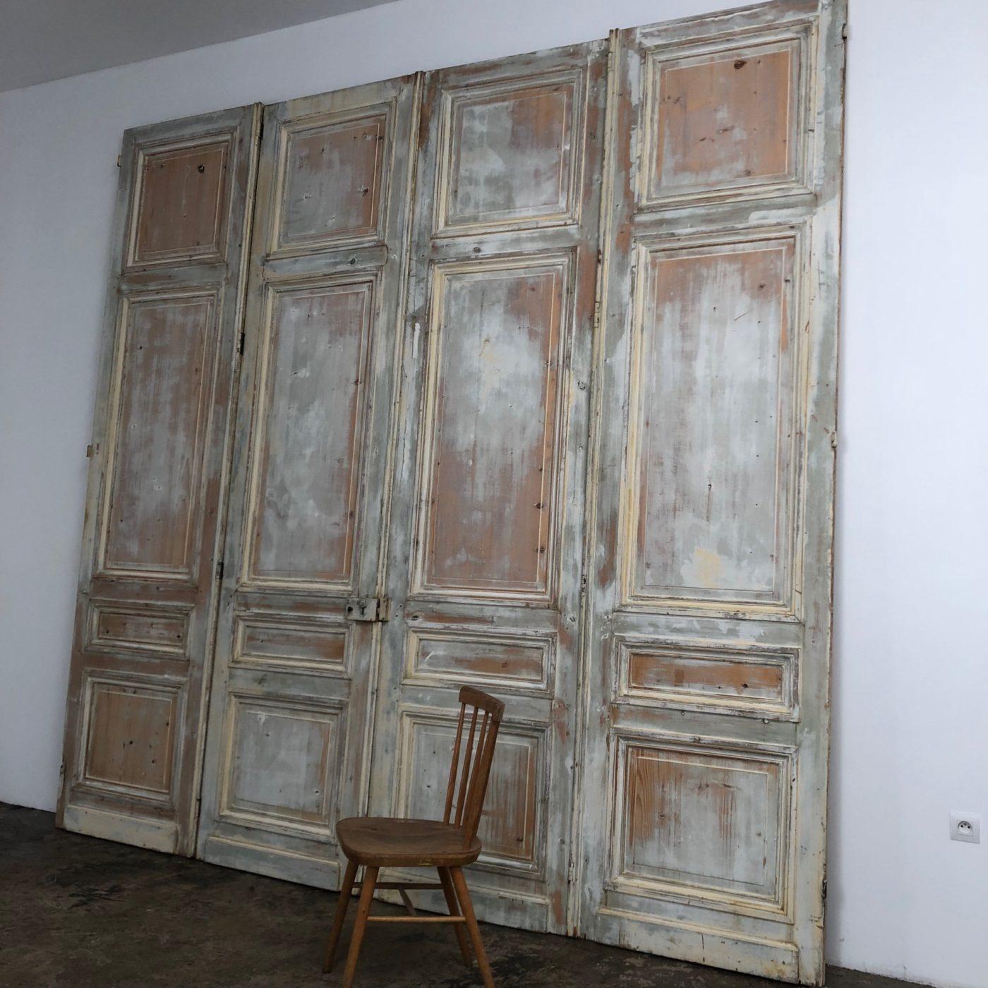 huge-painted-doors0003