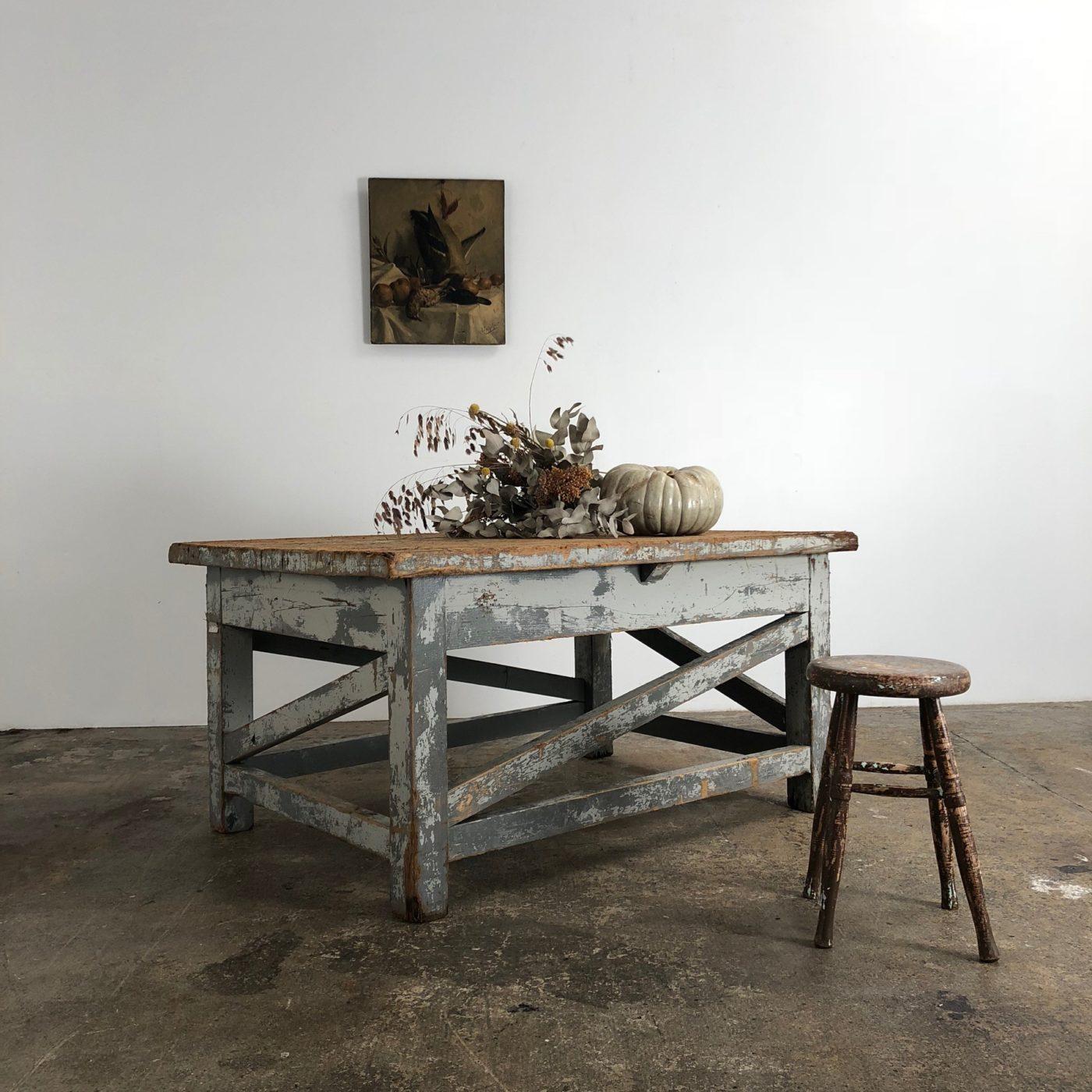 sculptor-table0001