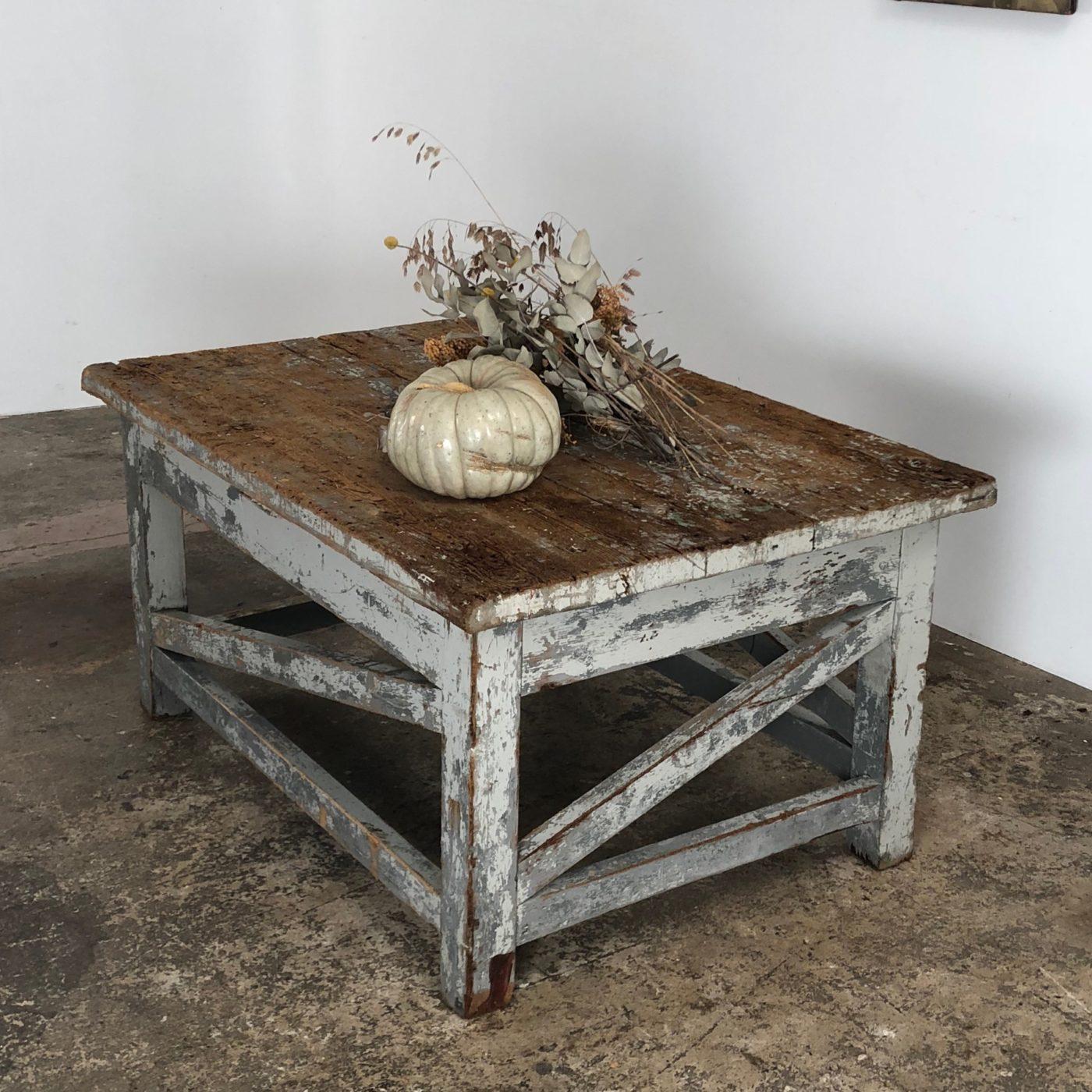 sculptor-table0002