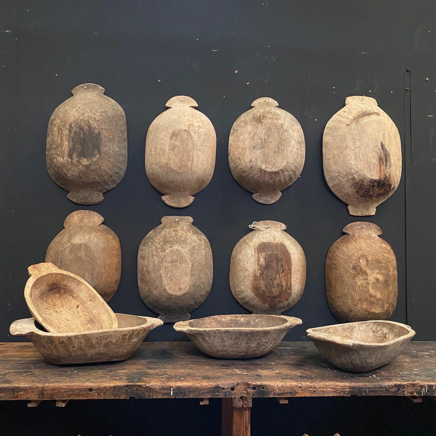 primitive-wooden-calbas0000