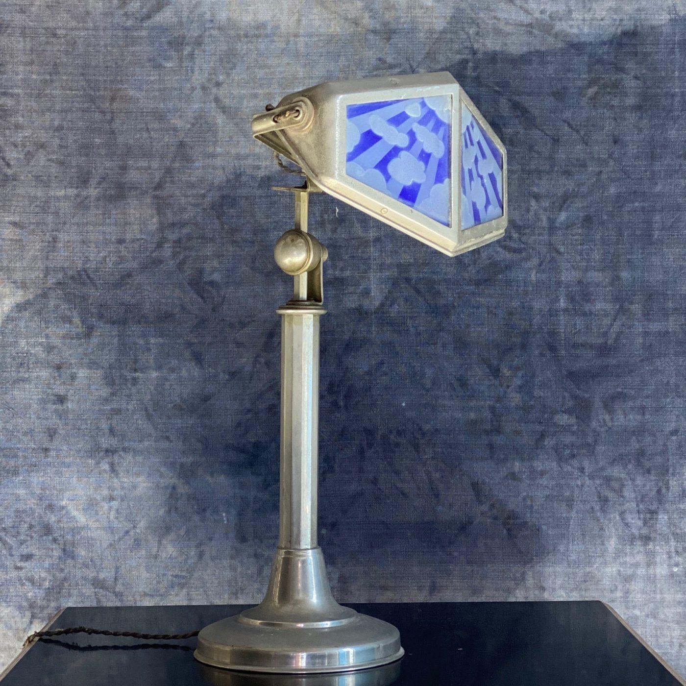 pirouette-lamp0000