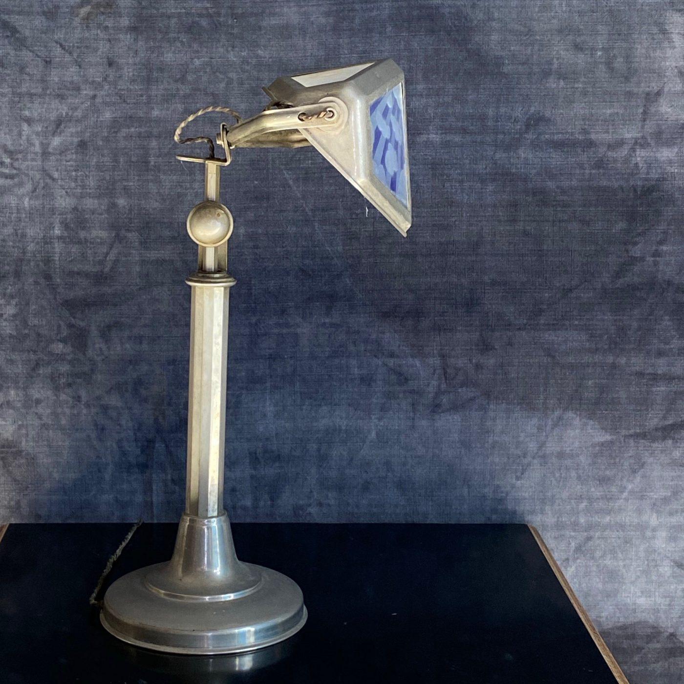 pirouette-lamp0007