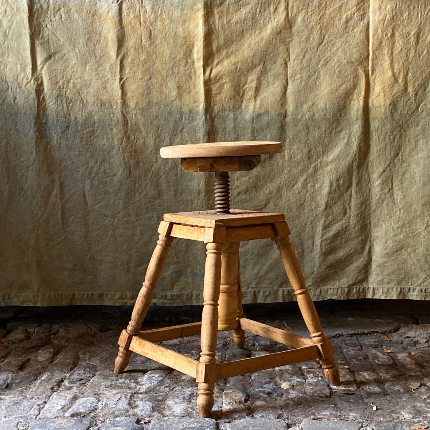 artist-stool0002