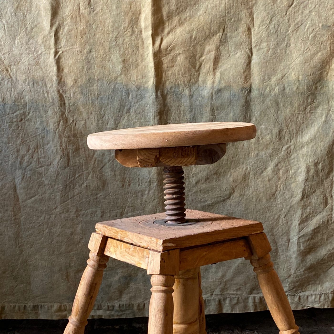 artist-stool0004
