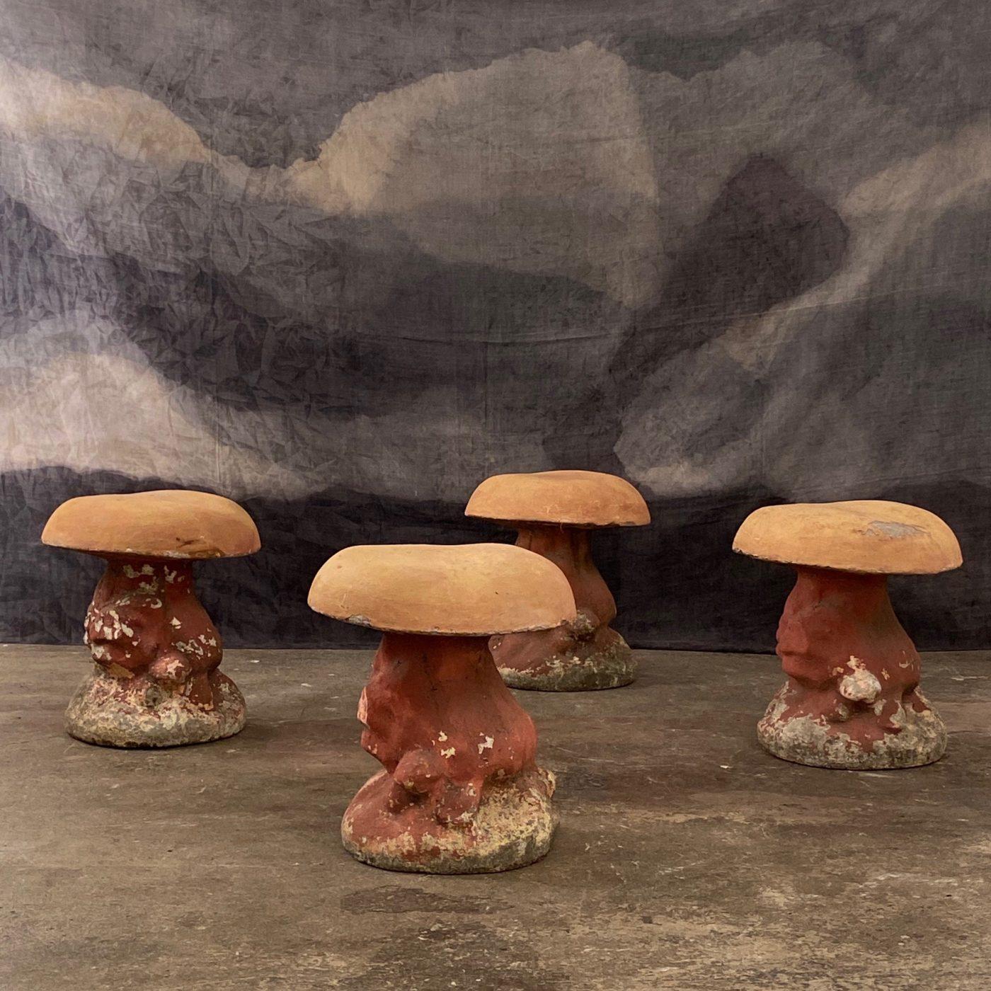 concrete-mushroom-stools0000