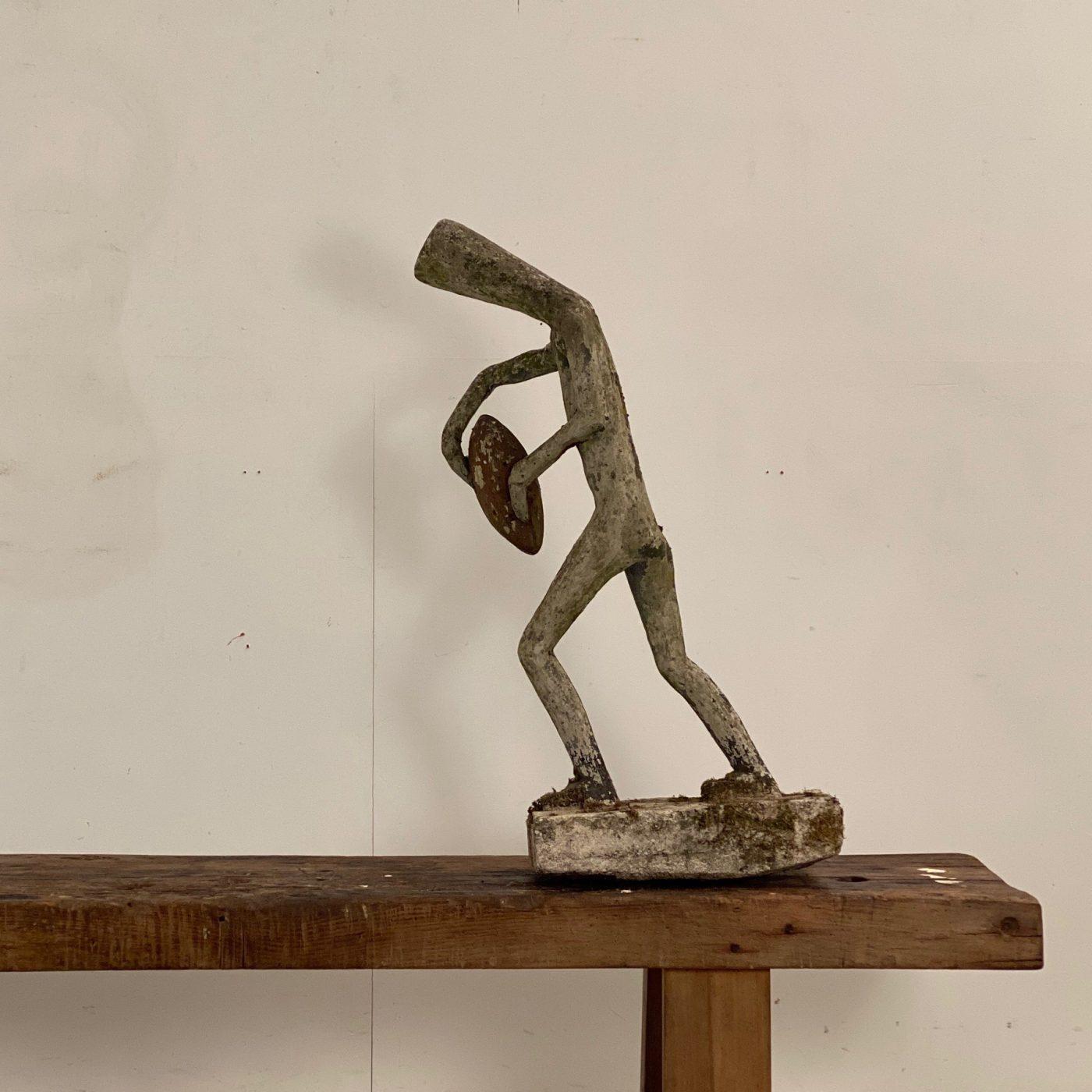 naif-concrete-sculpture0000