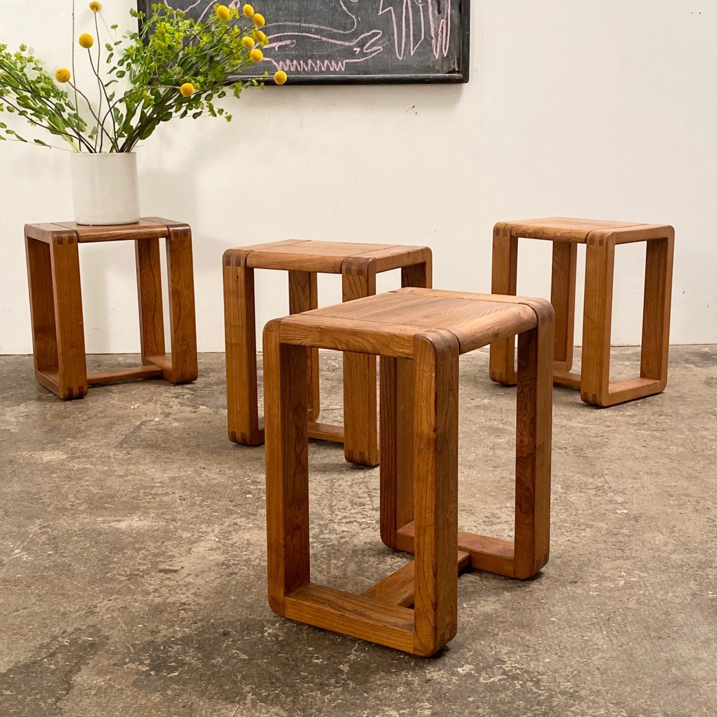 objet-vagabond-massive-stools0000