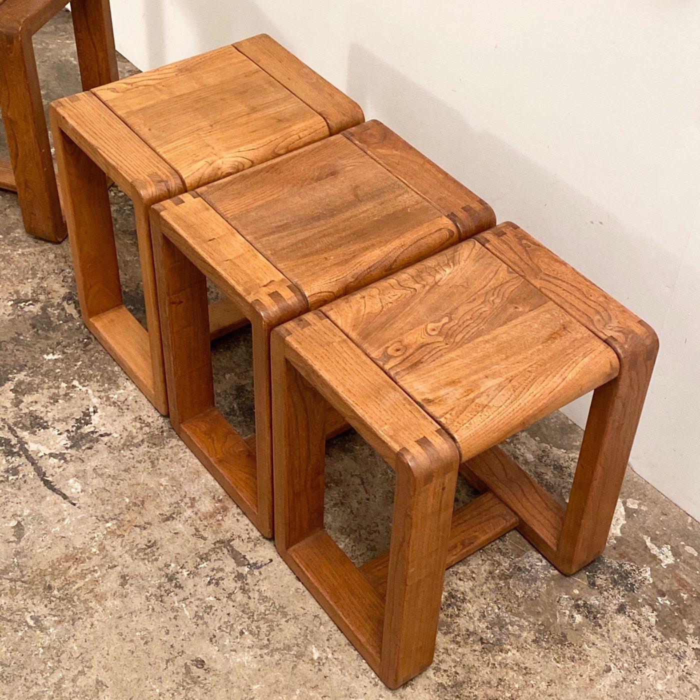 objet-vagabond-massive-stools0003