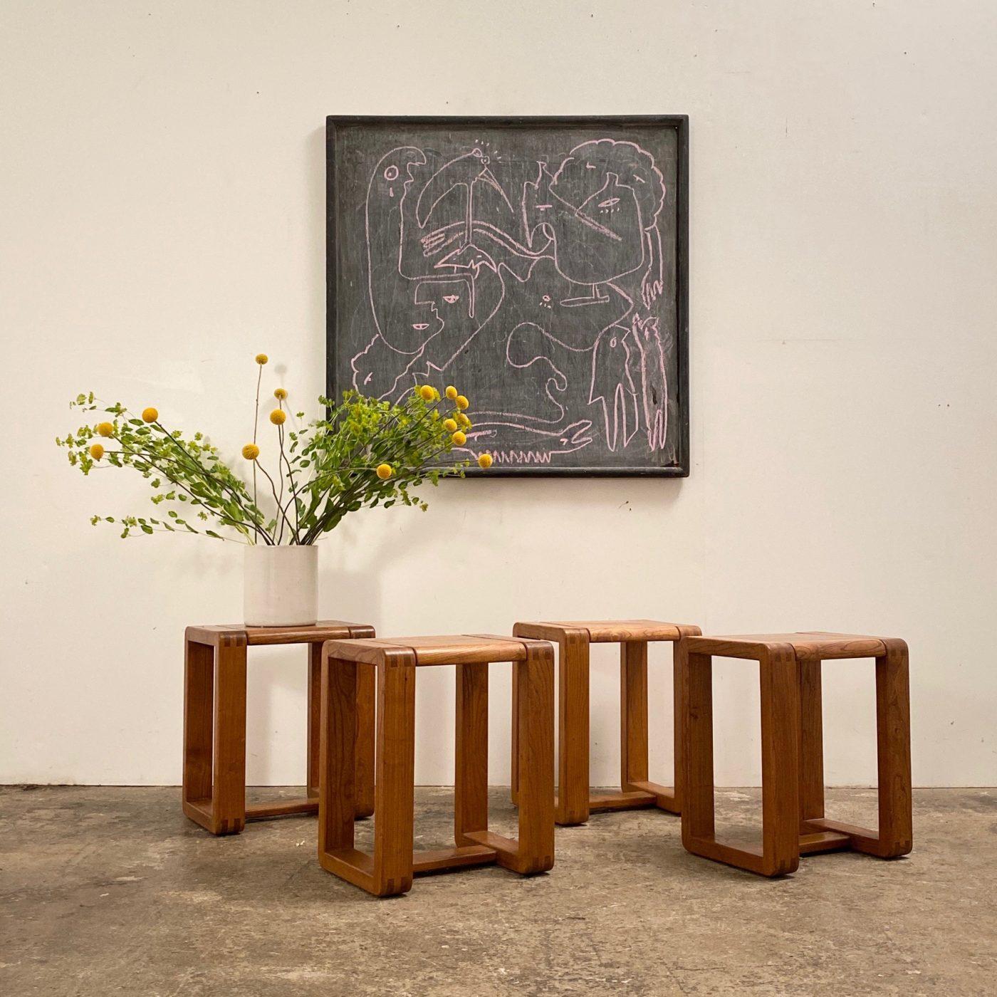 objet-vagabond-massive-stools0005