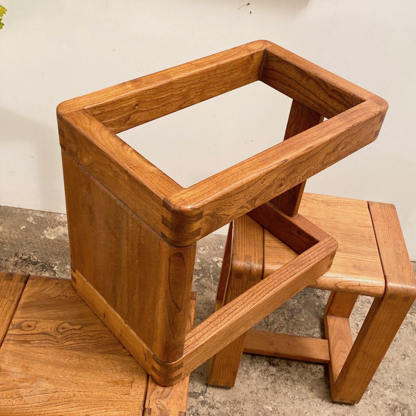 objet-vagabond-massive-stools0006