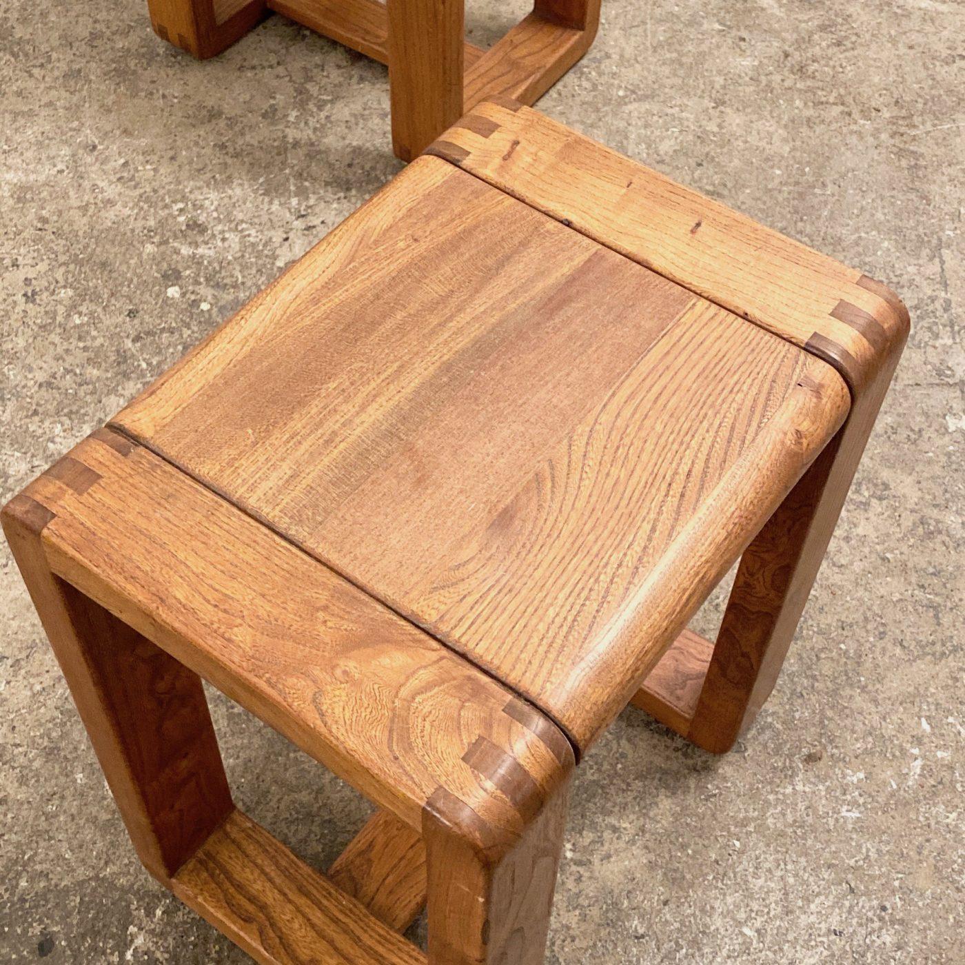 objet-vagabond-massive-stools0008