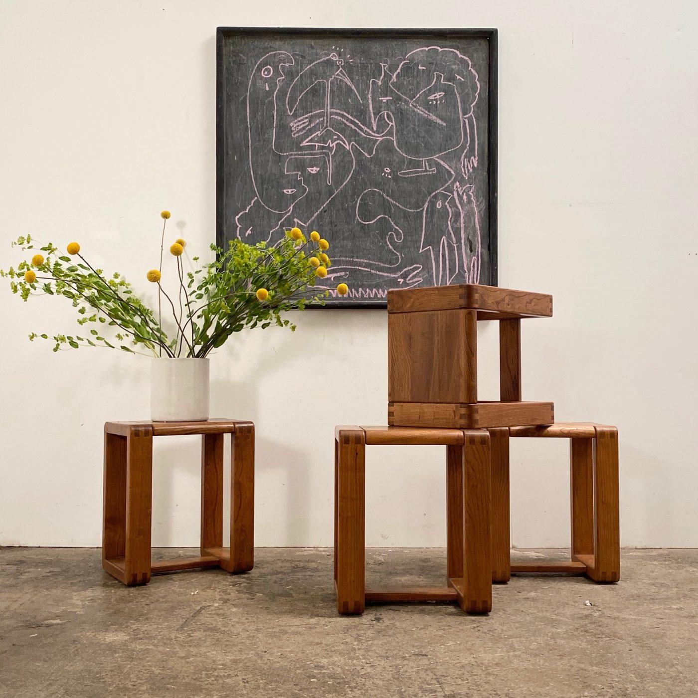 objet-vagabond-massive-stools0009