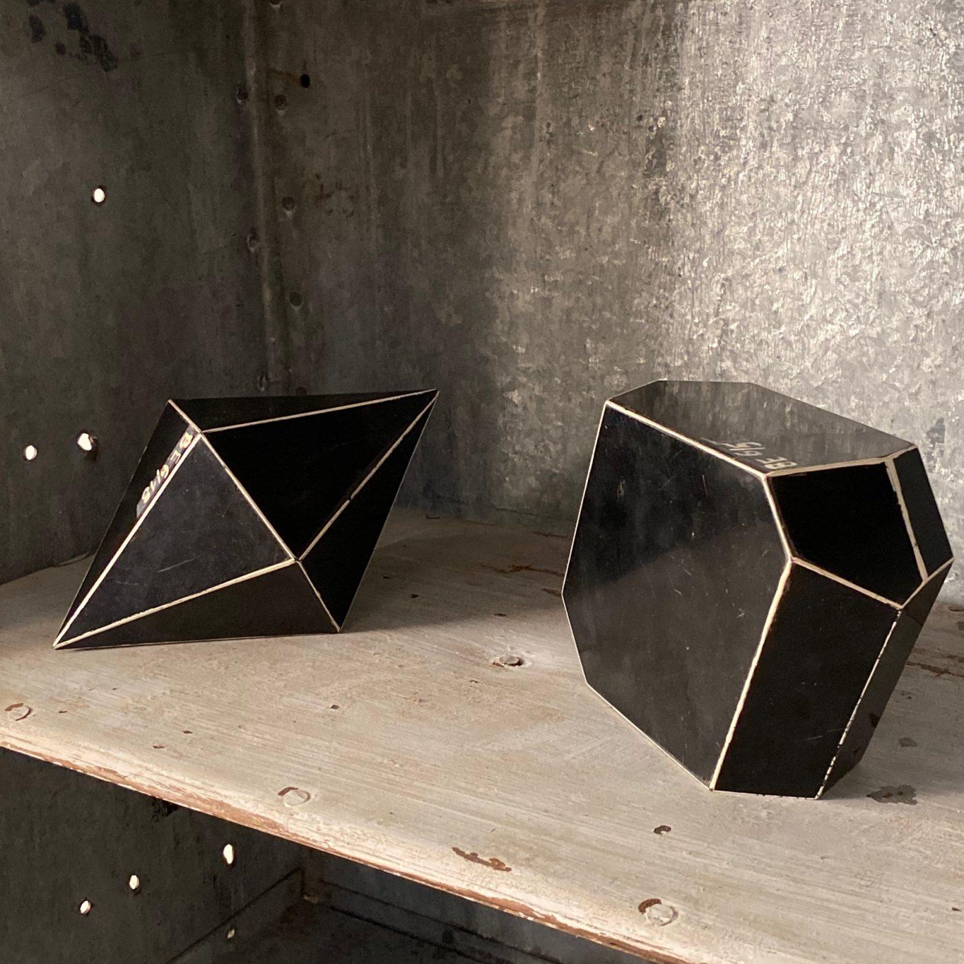 objet-vagabond-mineral-forms0000