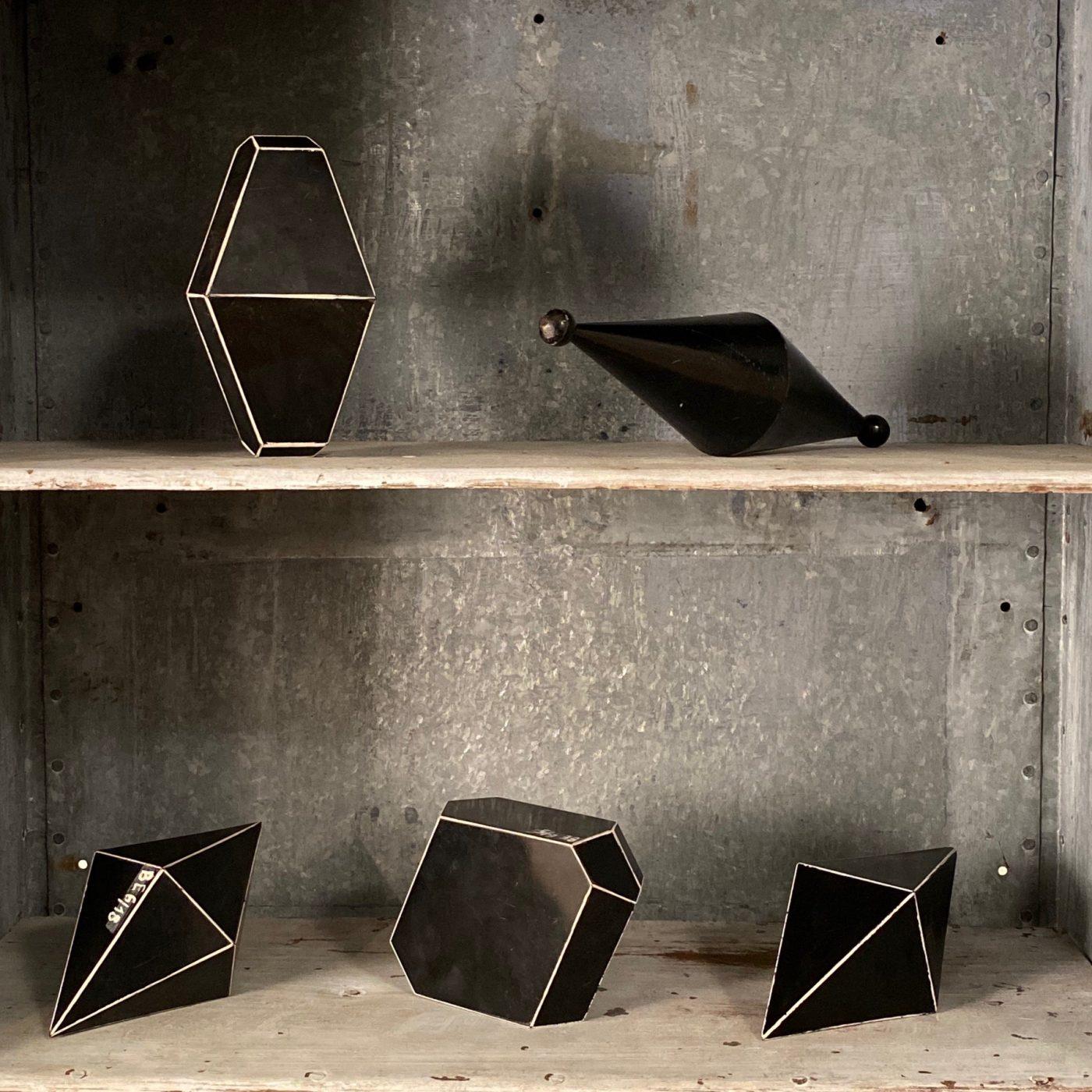 objet-vagabond-mineral-forms0001