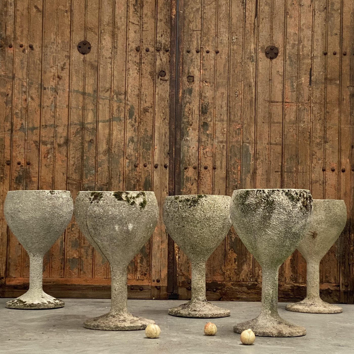 objet-vagabond-concrete-planters0005