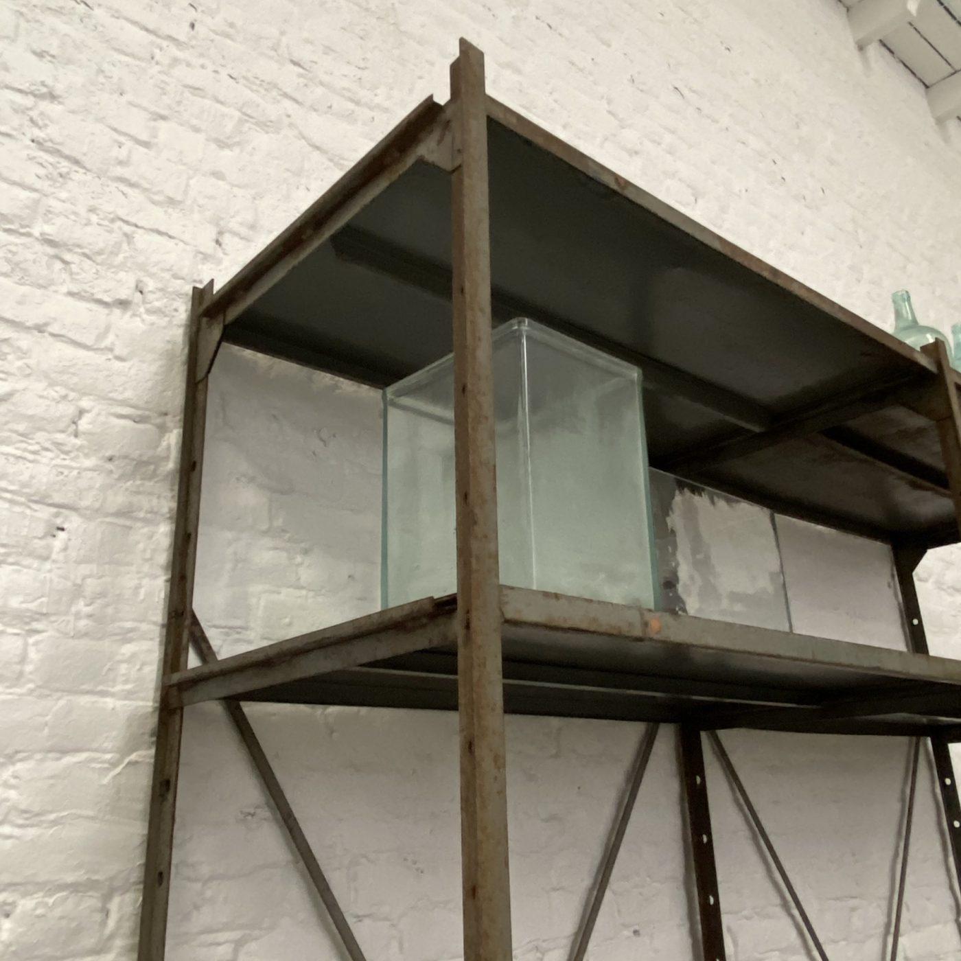 objet-vagabond-industrial-shelf0002