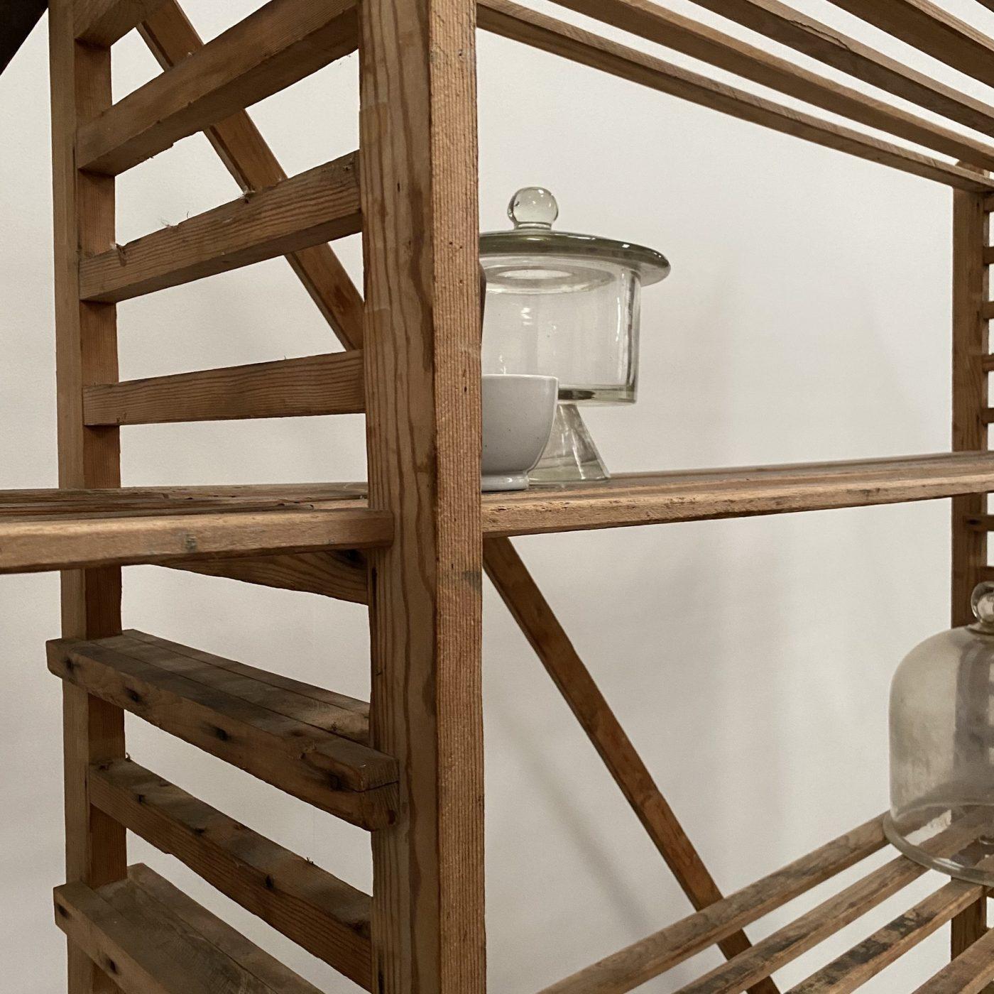 objet-vagabond-bakery-shelve0005