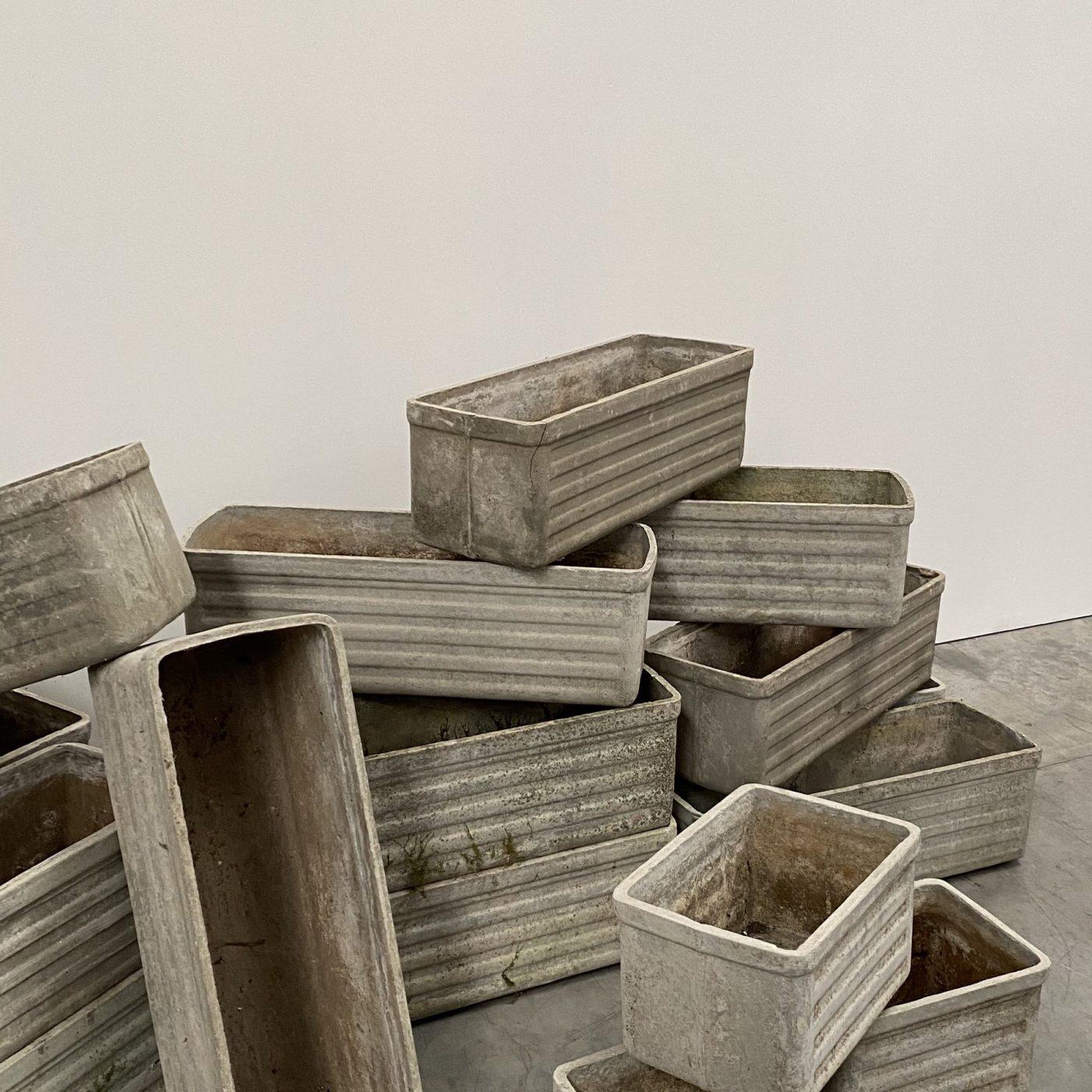 objet-vagabond-concrete-planters0000