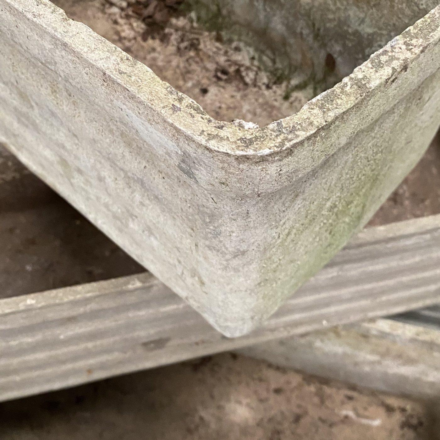 objet-vagabond-concrete-planters0001