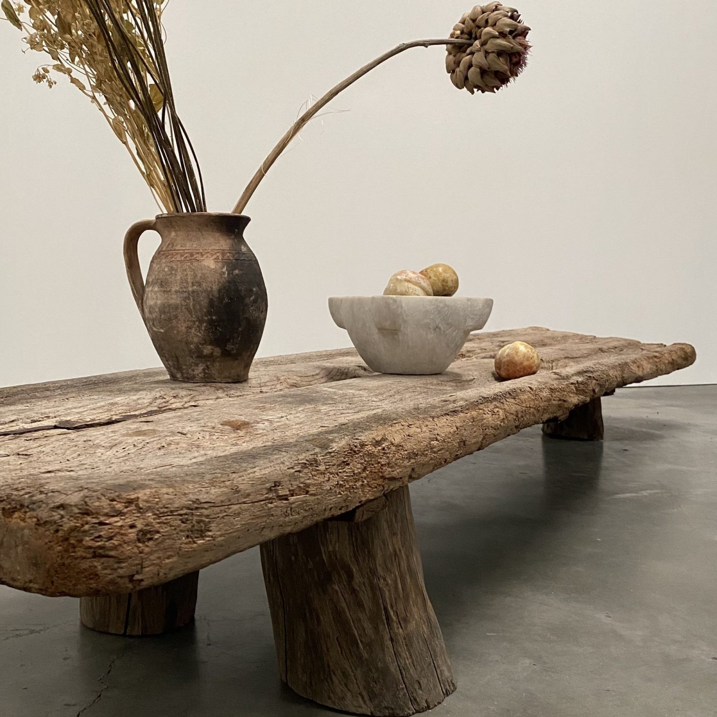 objet-vagabond-primitve-coffeetable0000